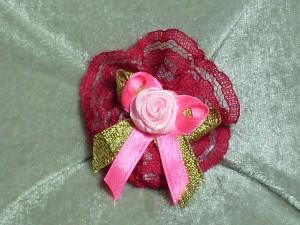 chouchou-pompon-dentelle-fuchsia-ruban-organza-rose-noeud-or-et-rose-rose-rose-ref-cpd1552-1